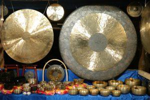 klangschalen und gongs nada brahma